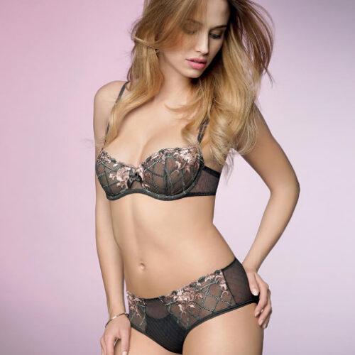 chantelle-hedona-batik-model-dianes-lingerie-500x500