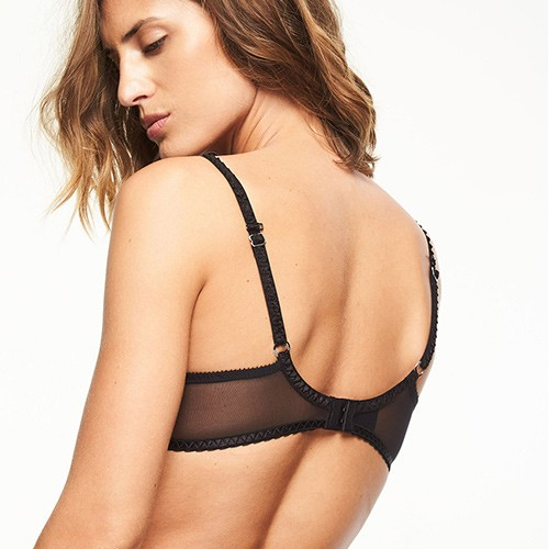 chantelle-courcelles-3-part-plunge-bra-blk-6791-ob-02-dianes-lingerie-vancouver-500x500