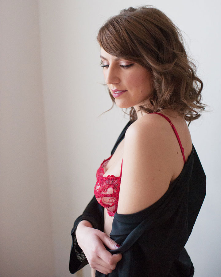 02-womens-day-boudoir-giveaway-dianes-lingerie-vancouver-blog-720x900