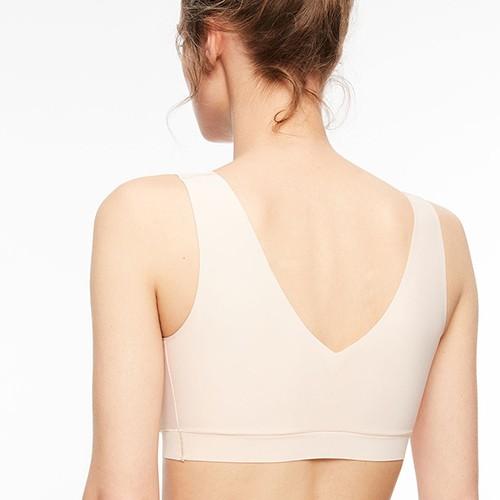 chantelle-soft-stretch-v-back-padded-bralette-gbeige-16a1-ob-02-dianes-lingerie-vancouver-500x500