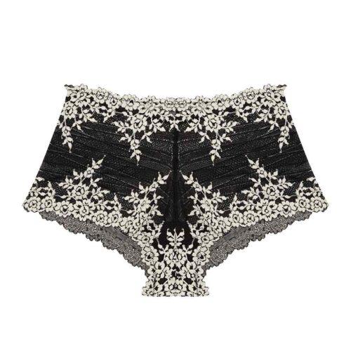 wacoal-embrace-lace-boyshort-blk-67491-ps-dianes-lingerie-vancouver-1080x1080
