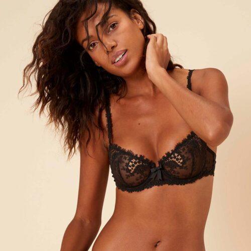 simone-perele-wish-half-cup-bra-blk-330-ob-01-dianes-lingerie-vancouver-1080x1080