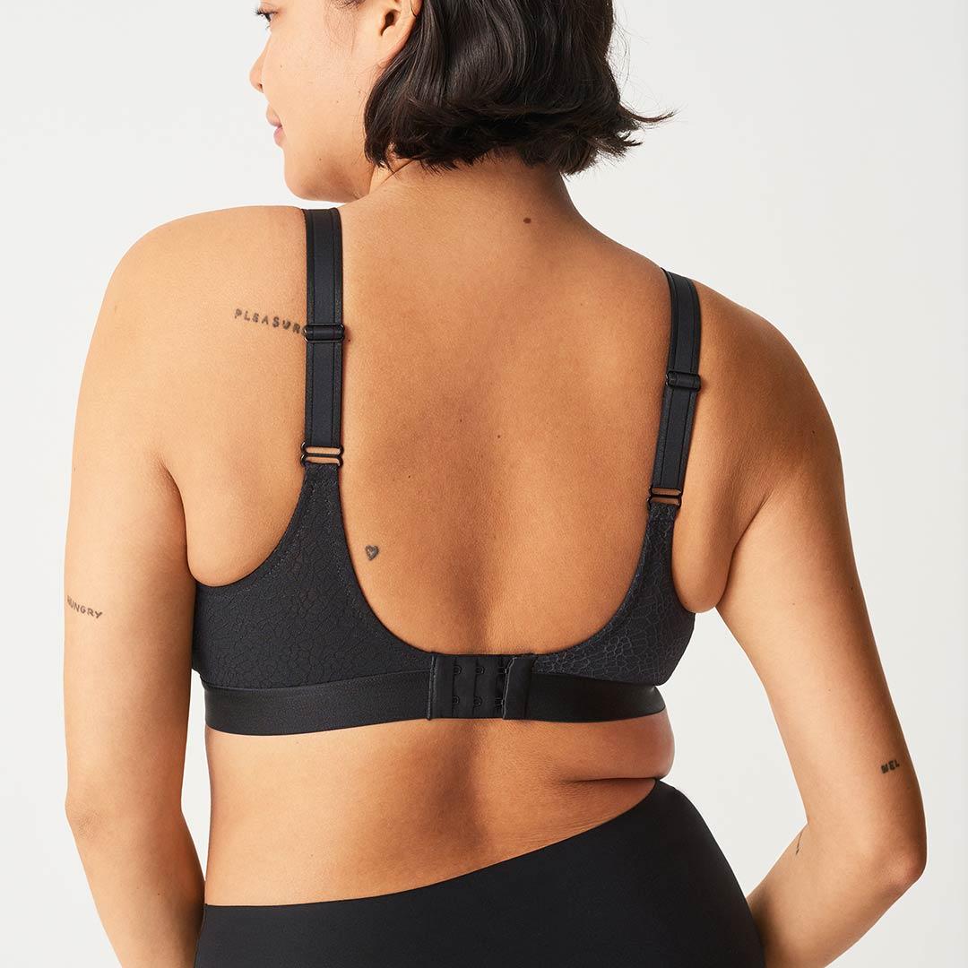 chantelle-c-magnifique-wireless-bra-black-1892-ob-02.-dianes-lingerie-vancouver-1080x1080