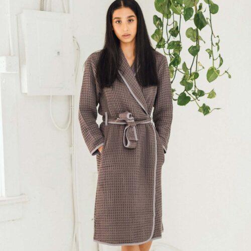 tofino-towels-co-harmony-bath-robe-mist-grey-02-dianes-lingerie-vancouver-1080x1080