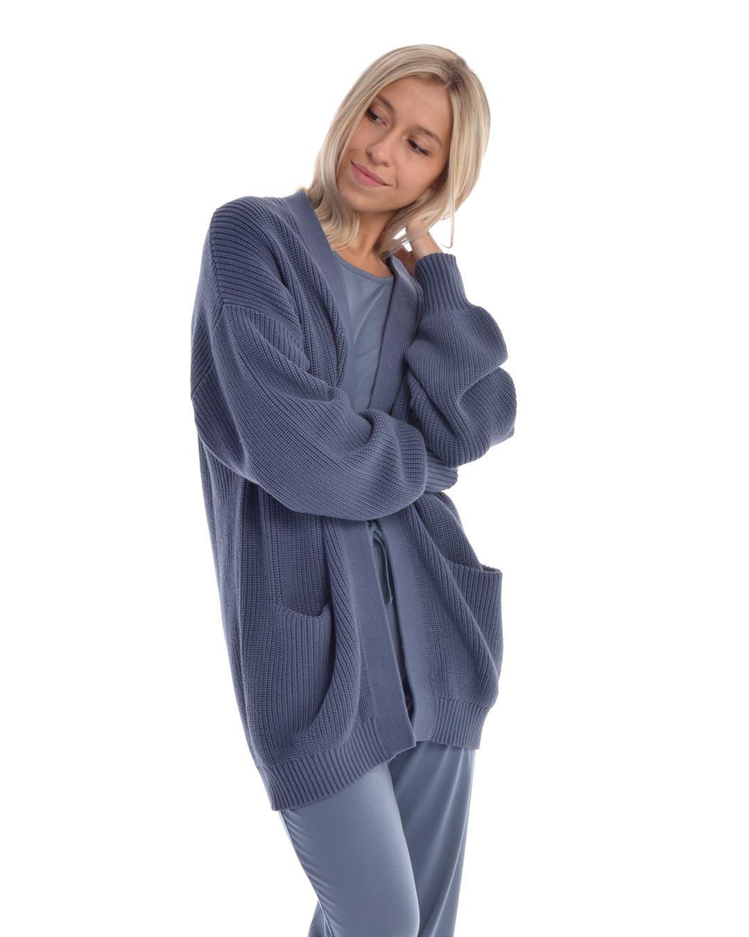 paper-label-opal-blue-02-dianes-lingerie-vancouver-1080x1350