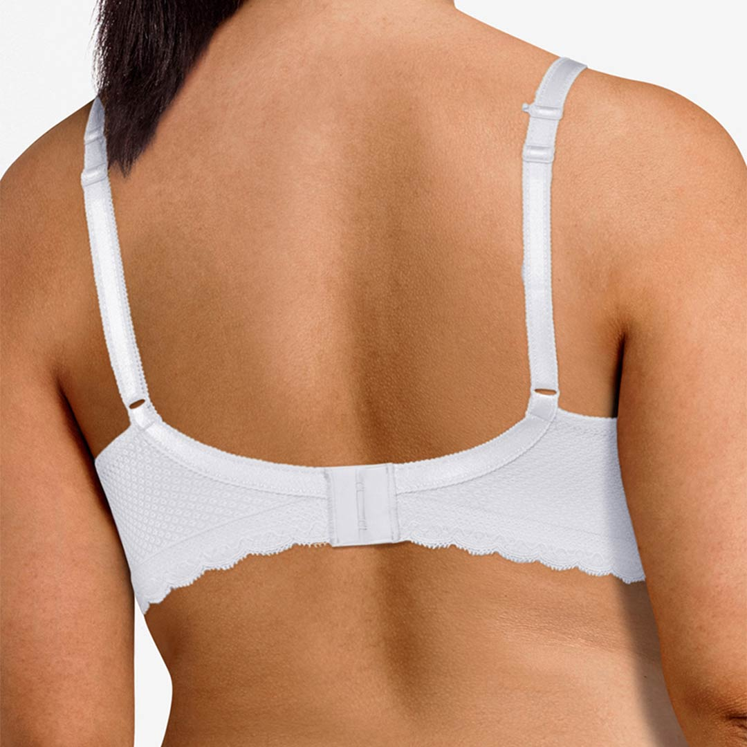 chantelle-allure-plunge-tshirt-bra-white-2232-ob-02-dianes-lingerie-vancouver-1080x1080