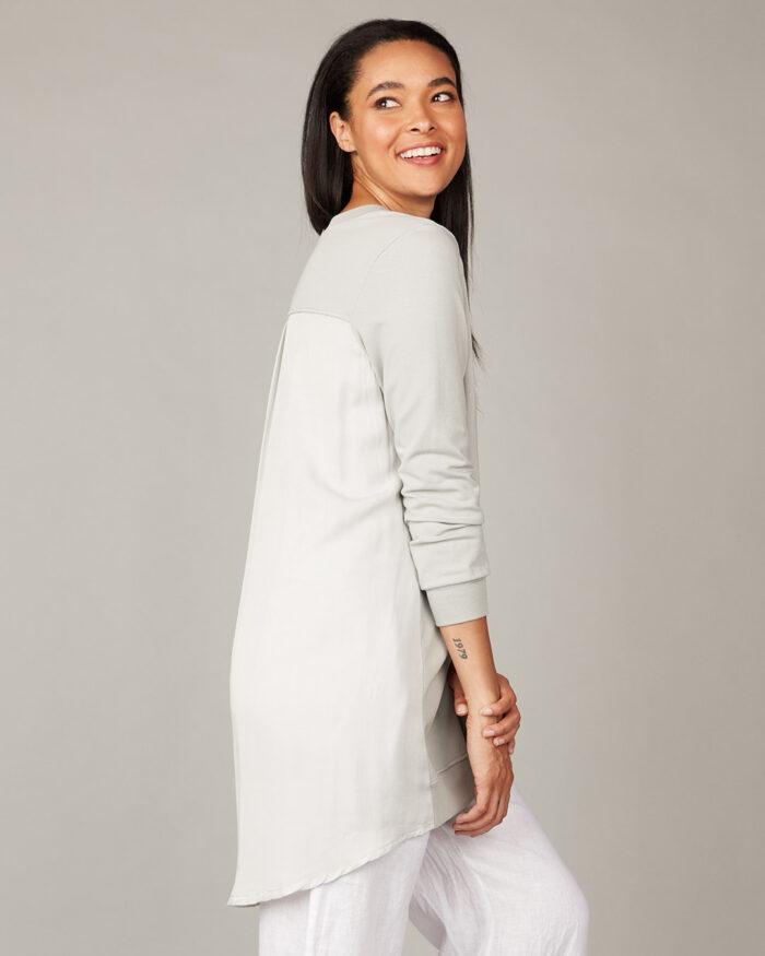 pistache-clothing-long-summer-sweatshirt-02-dianes-lingerie-vancouver-1080x1350