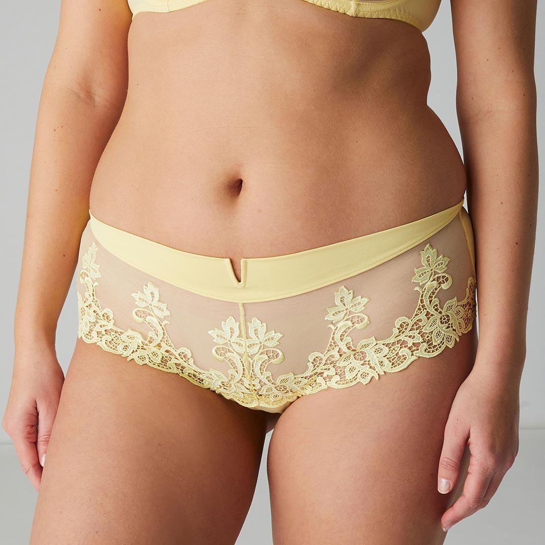simone-perele-saga-shorty-lemon-15C630-ob-01-dianes-lingerie-vancouver-1080x1080