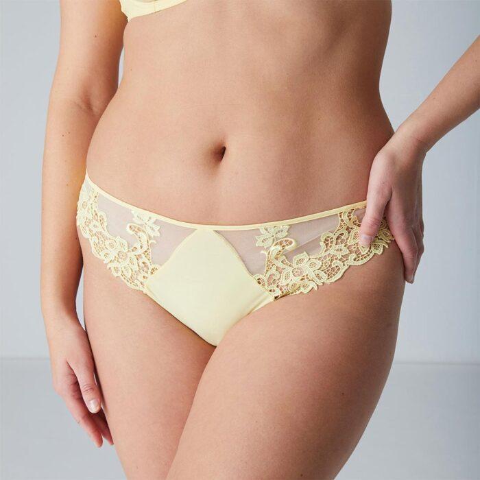 simone-perele-saga-thong-lemon-15C700-ob-01-dianes-lingerie-vancouver-1080x1080
