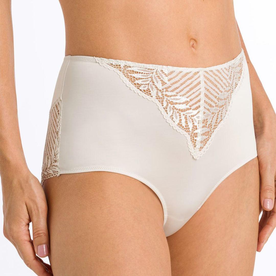 hanro-irini-maxi-briefs-fullm-2935-front-dianes-lingerie-vancouver-1080x1080