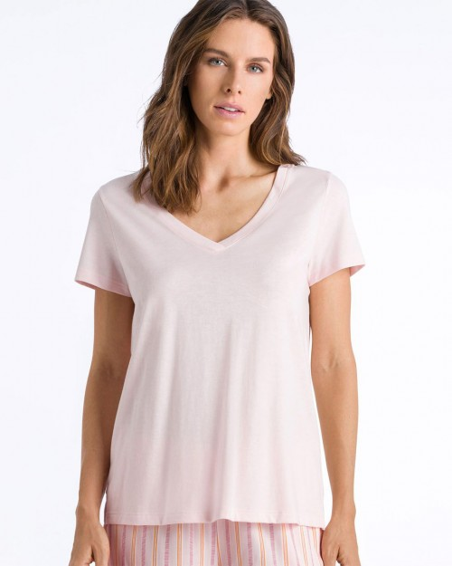 hanro-sleep-and-lounge-tee-apric-7876-front-dianes-lingerie-vancouver-1080x1080