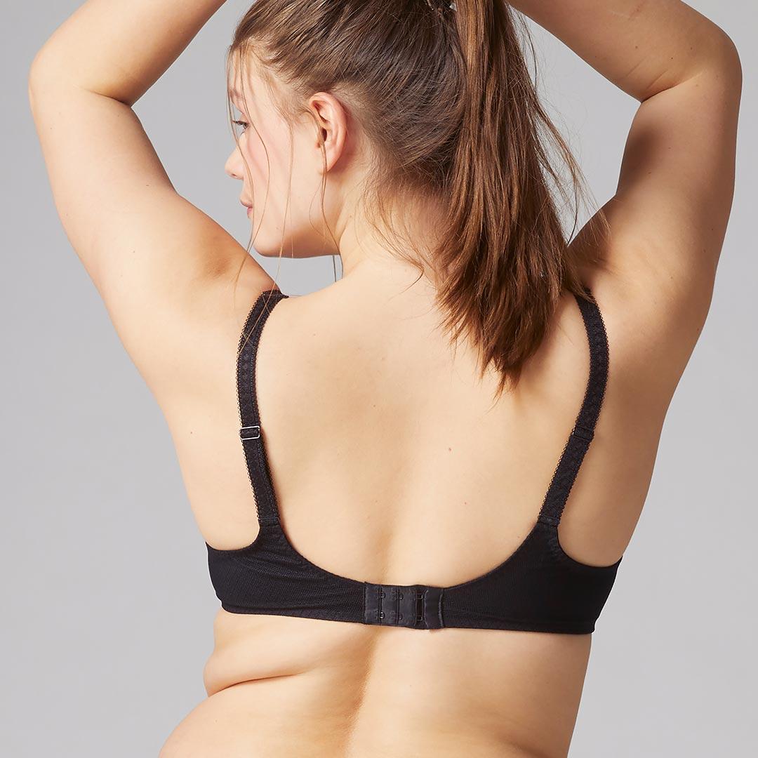 simone-perele-promesse-3d-plunge-bra-blk-315-back-dianes-lingerie-vancouver-1080x1080