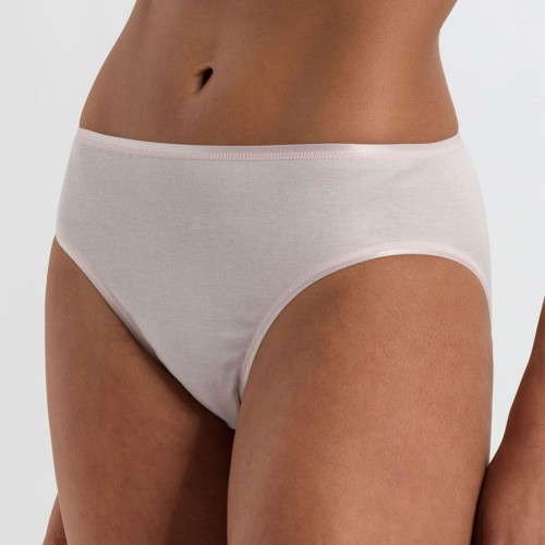 hanro-cotton-seamless-midi-brief-gentle-pink-front-dianes-lingerie-vancouver-1080x1080