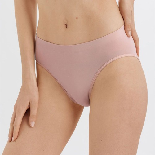 hanro-touch-feeling-midi-brief-almond-front-dianes-lingerie-vancouver-1080x1080