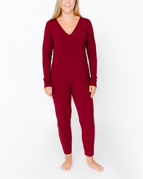 smash-and-tess-friday-romper-burgundy-front-dianes-lingerie-vancouver-1080x1350
