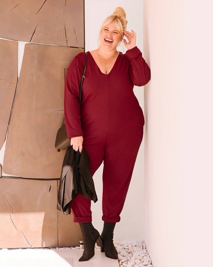 smash-tess-friday-burgundy-dianes-lingerie-720x900